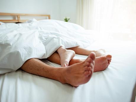 Hete Voeten S Nachts.Daarom Hebben Vrouwen Altijd Koude Voeten In Bed Sleeplife